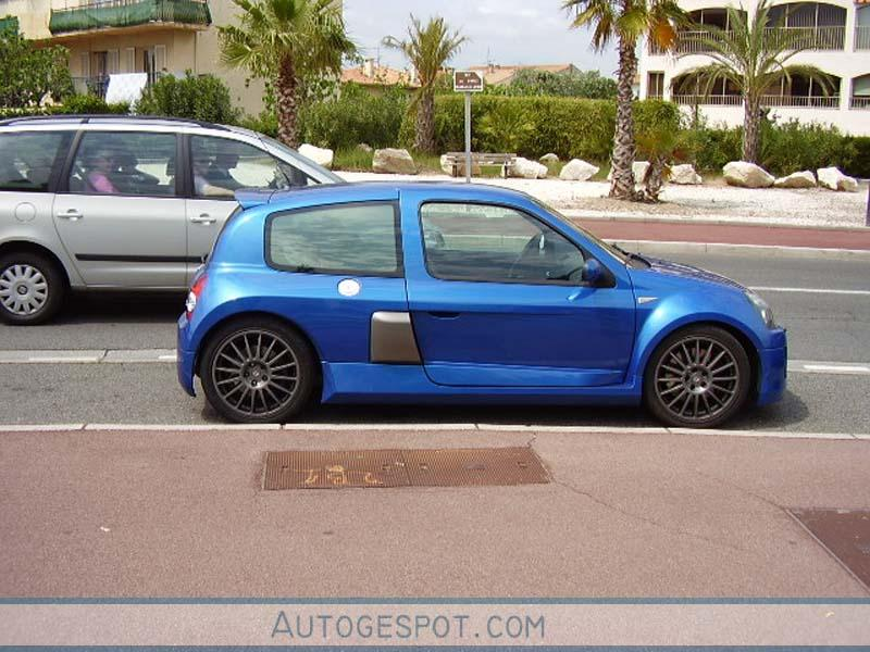 renault clio v6 phase ii 6 may 2006 autogespot. Black Bedroom Furniture Sets. Home Design Ideas